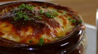 Как приготовить луковый суп в горшочках