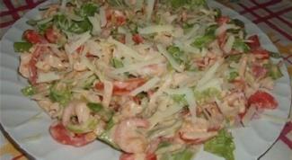 Вкусный салат с креветками и помидорами