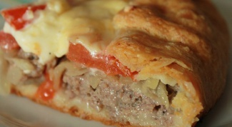 Pie with minced meat in a hurry
