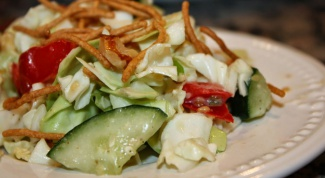 Восточный салат из курицы