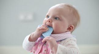 Как снять боль, когда режутся зубы
