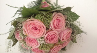 How to make a bouquet of roses