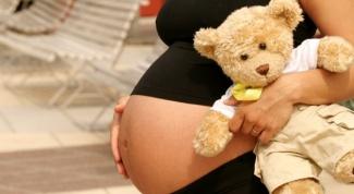 Как избежать растяжек на животе при беременности