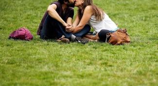 Как научиться искусно целоваться