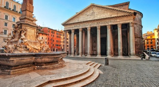 Прогулки по Риму: древний Пантеон