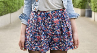 What to wear with a skirt with floral print