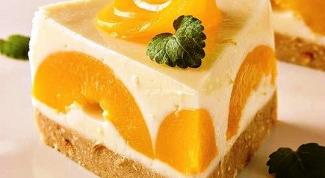 Быстрый и легкий рецепт бисквитного торта с фруктами