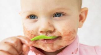 Как научить детей питаться самостоятельно