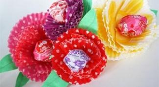 Как сделать букет из конфет: простой способ