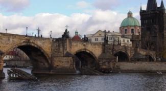 Достопримечательности Праги: таинственный Карлов мост