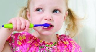 Почему надо лечить кариес у детей