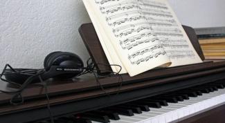К каким инструментам относится фортепиано