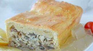 Пирог со скумбрией и грибами