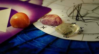 What stone corresponds to one or INOUT Zodiac sign