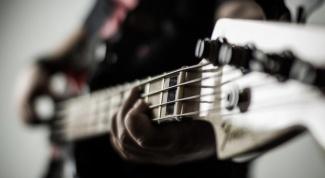 Как играть на электрогитаре соло