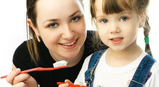 How to maintain healthy teeth from a baby
