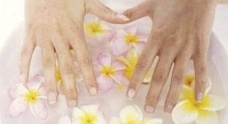 Как убрать грязь из-под ногтей