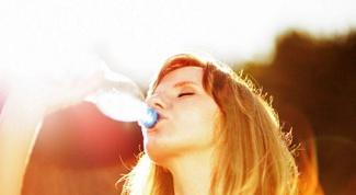 Что пить в жару: полезные напитки
