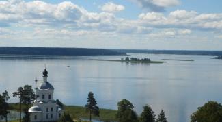 Лучшие озера России для летнего отдыха