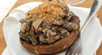 Фаршированные грибы Портобелло со шпинатом