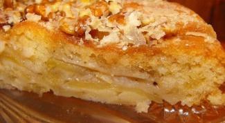 Как приготовить пирог с яблочным соком и миндалем