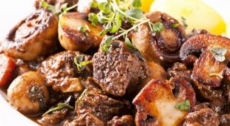 Как приготовить грибной гуляш с говядиной и вином