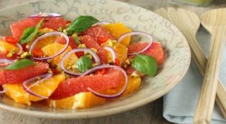 Салат из пряной тыквы с грейпфрутом