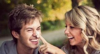 Как узнать, влюблена ли девушка