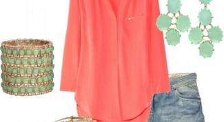 Летняя коралловая блузка