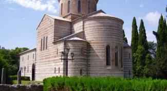 Чем Абхазия привлекает туристов