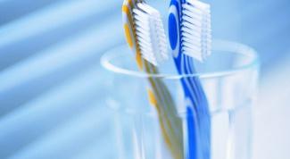 Как выбрать зубную щетку по жесткости