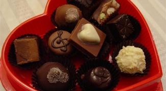 Какие конфеты подарить девушке