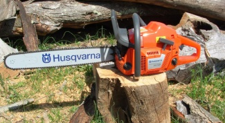 How to install chain on chainsaw