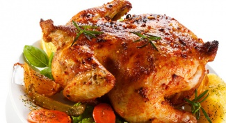 Как запечь курицу на банке с розмарином