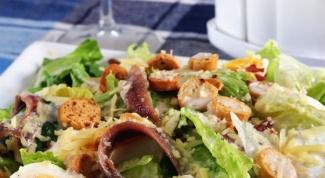 """Как приготовить салат """"Цезарь с анчоусами"""""""