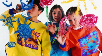 Детское творчество: рисуем вместе и не на стенах