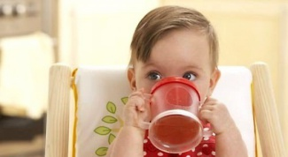 Как выбрать идеальный поильник с учетом возрастных особенностей ребенка