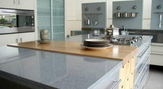 The pros and cons of countertops made of artificial stone