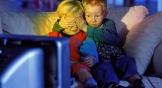 Почему просмотр телевизора вреден для психики