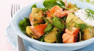 Летний салат с лососем