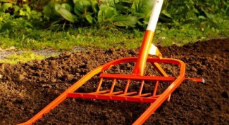 Как обработать землю весной