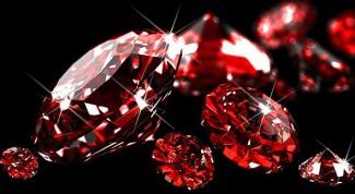 К каким камням относится корунд