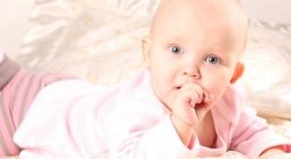 Чем мазать десны, если режутся зубы