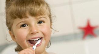 Почему детям до года не рекомендуют пасты с фтором