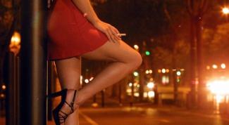 Почему женщины становятся проститутками