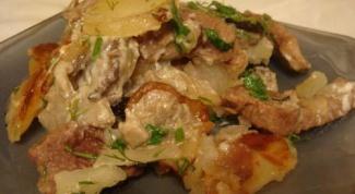 Картофель, запеченный с грибами и мясом