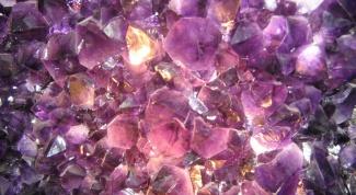 Какие камни бывают фиолетовыми