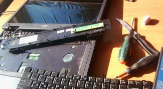 Как снять клавиатуру на ноутбуке Acer Extensa