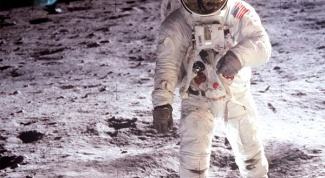 Какое расстояние от Земли до Луны