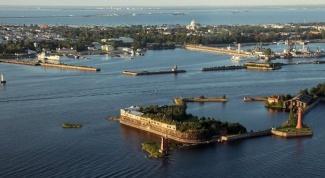 How to get to Kronstadt